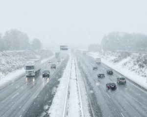 12-holiday-highway-driving-tips